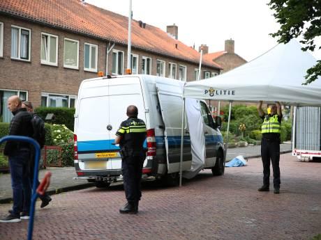 Overleden persoon bij busje in Mr. Jan Tuningstraat aangetroffen