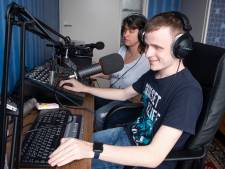 Blinde 'radiomaker' Sander uit Markelo neemt voor eventjes afscheid