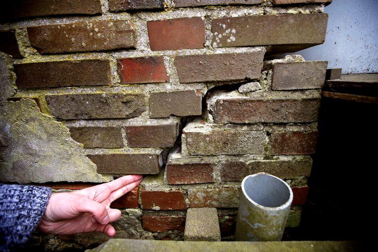 Een scheur in de muur van een woning in het Groningse Leermens.  Beeld ANP