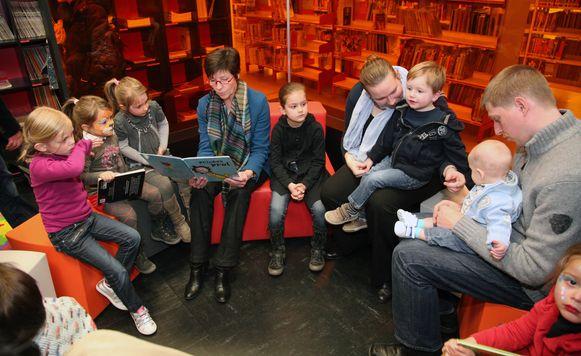 Je lidmaatschap van de bib in Opglabbeek geld ook in Meeuwen (foto) en omgekeerd.