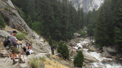 Dood door selfie: tiener valt van berg in park Californië