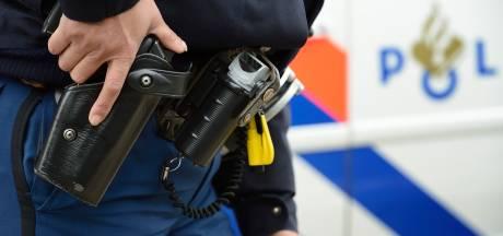 Twee mannen in Tilburg aangehouden na negeren stopteken; bestuurder onder invloed