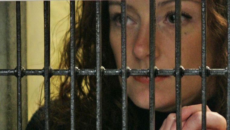 Cassez in gesprek met haar advocaat. Foto uit 2008 Beeld afp