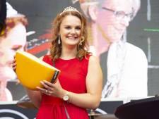 Sophie Velner uit Wierden nieuwe kaaskoningin Wiezo-feest