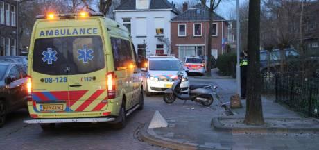 Scooterrijder met te veel alcohol op botst na achtervolging op politie-auto