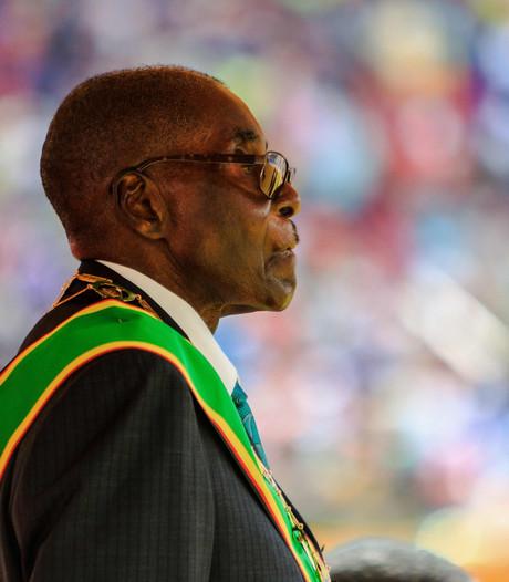 WHO slikt benoeming van Mugabe in