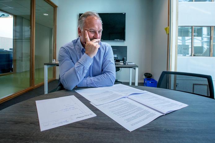 Directeur Albert Kivits van de Bibliotheek Eindhoven. Hij kwam in het geweer tegen een korting die de Stichting Cultuur Eindhoven (SCE) oplegde. De huidige crisis bij SCE komt hier uit voort.