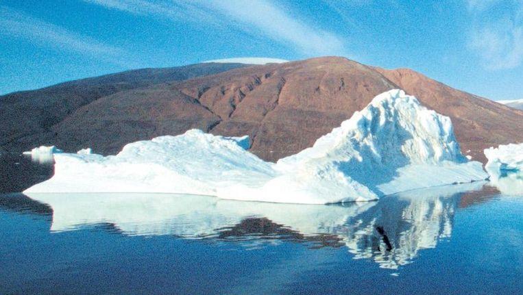 Bergen met veel ijzeroxide op Groenland. Beeld Bryan en Cherry Alexander