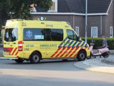 Vrouw op scooter gewond na aanrijding op rotonde in het centrum van Barneveld