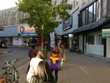 Tot 50 meter lange wachtrij na mogelijk coronageval bij bpost op Eiermarkt