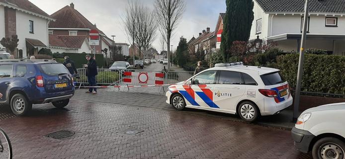 De Tangelder Gorusstraat in Winterswijk is aan beide kanten afgezet.