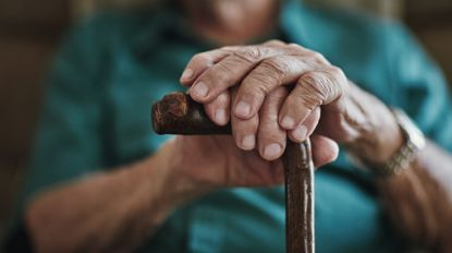 """""""Geen mensonterende feiten"""" op beelden van bejaarden die in WhatsAppgroep werden gedeeld"""