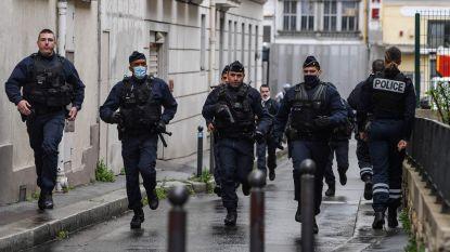 Twee journalisten gewond bij mesaanval vlakbij vroegere kantoor Charlie Hebdo: vijf bijkomende arrestaties