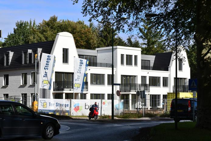 De huizen bij de rotonde van de  Donderberg zijn inmiddels klaar.