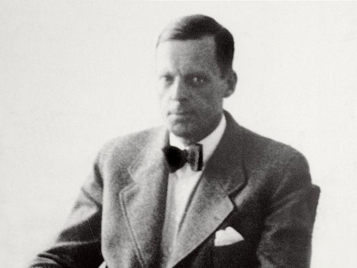Jan Zwartendijk (Rotterdam, 27 juli 1896 - Eindhoven, 1976) was een Nederlandse bedrijfsleider en diplomaat die aan het begin van de Tweede Wereldoorlog in Litouwen duizenden Joden valse papieren verstrekte waardoor ze uit de handen van de Russische en Duitse vervolging bleven.