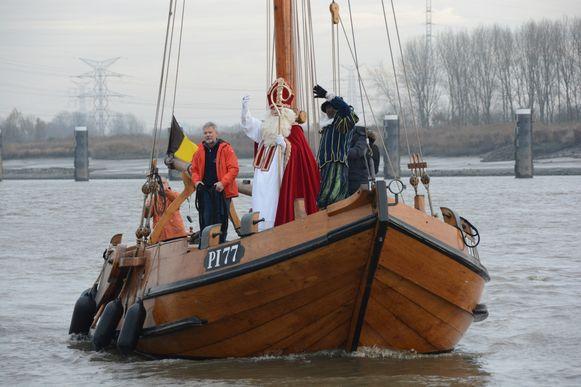 De vzw Tolerant zet het historische schip onder meer in voor evenementen zoals de jaarlijkse intrede van Sinterklaas in Rupelmonde.