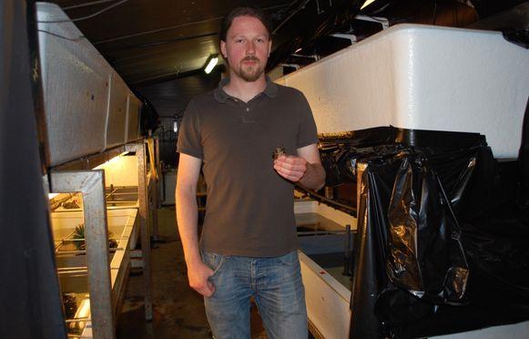 Thomas Abeel is een van de mensen die onderzoek doet naar de Europese rivierkreeft.