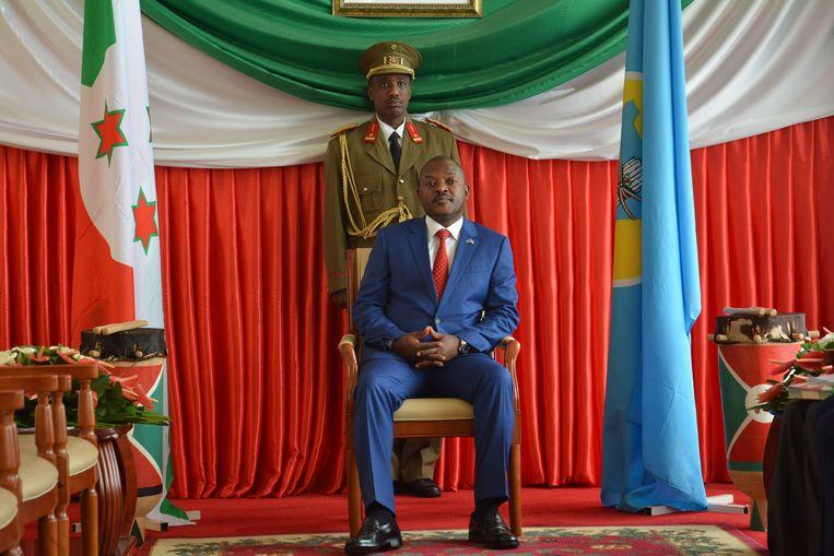 President Pierre Nkurunziza van Burundi in de hoofdstad Bujumbura. Hij regeert sinds 2005. Vandaag beslist een referendum over de vraag of hij tot 2034 kan aanblijven. Beeld AFP