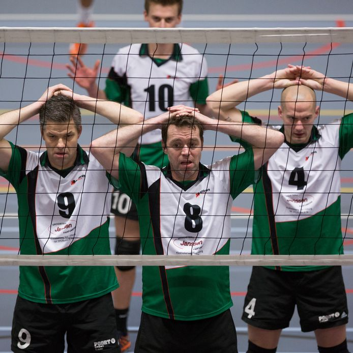 De mannen van EVV kunnen aan de bak, ze spelen komend seizoen in de topdivisie.