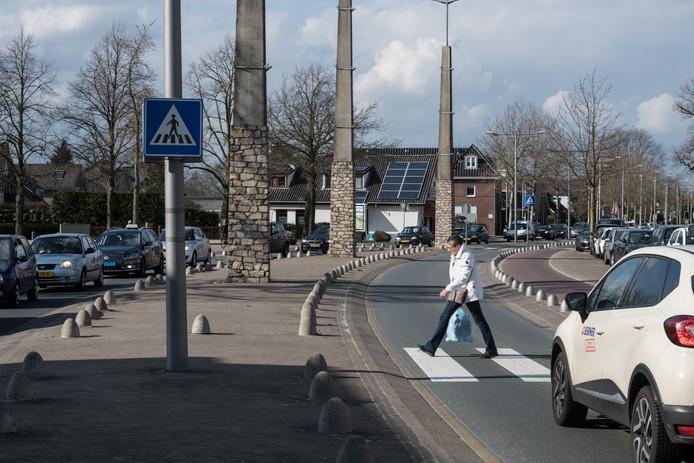 De Rijksweg N844 in het centrum van Malden.