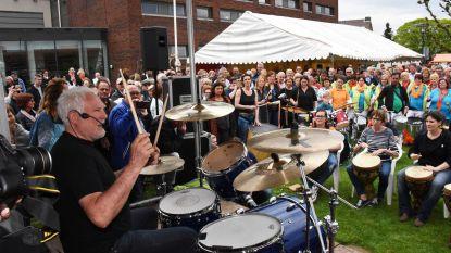Tachtig drummers jammen met Golden Earring op Koningsdag