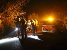 Beschonken automobiliste botst in het duister op wandelaars in Kesteren, één gewonde naar ziekenhuis