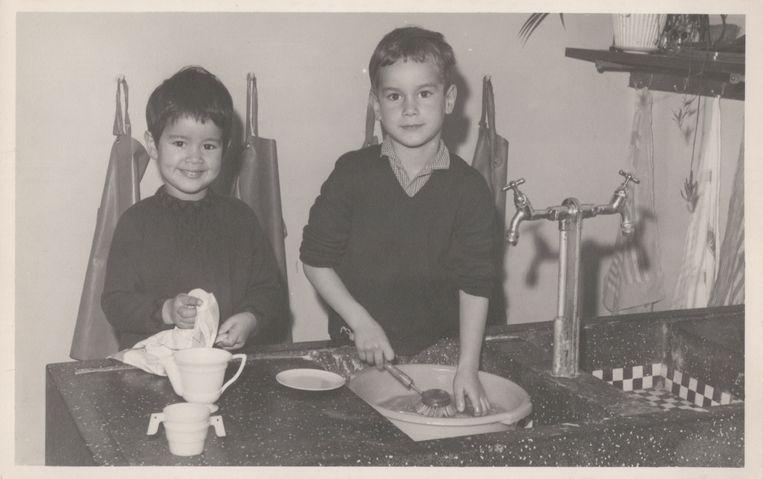 Ank Marx met haar broer Fred. Beeld Privécollectie