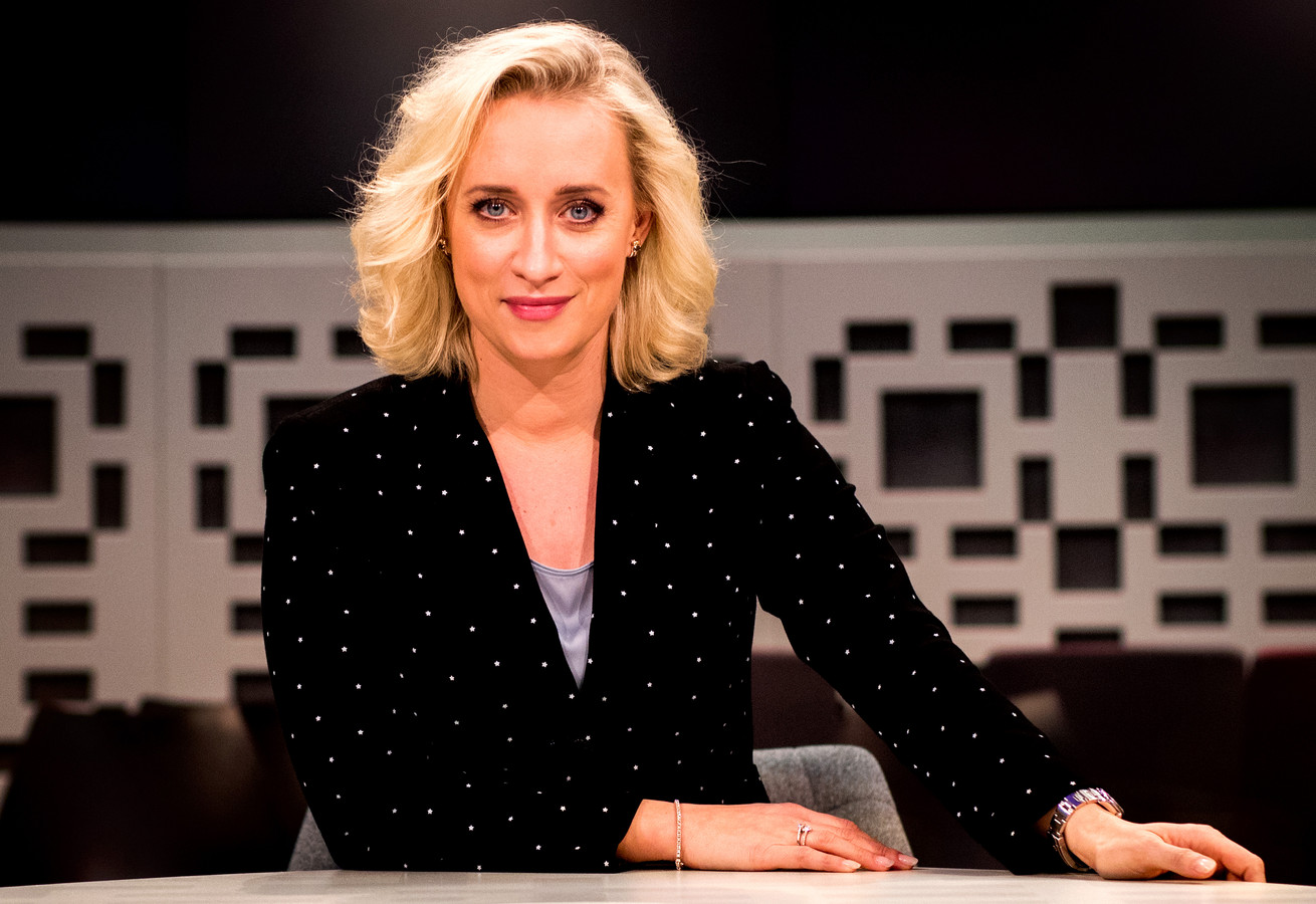Eva Jinek reageerde vrijdagavond in haar eigen talkshow voor het eerst op haar overstap naar RTL.