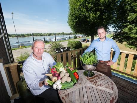 Jong team met ervaren kok in Villa Copera