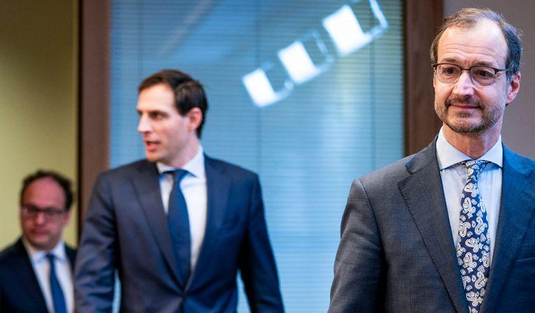 Eric Wiebes en Wopke Hoekstra willen met hun groeifonds de economie 'toekomstbestendig' maken. Beeld Freek van den Bergh / de Volkskrant