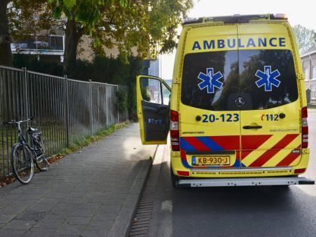 Automobilist rijdt door na aanrijding met fietser in Breda