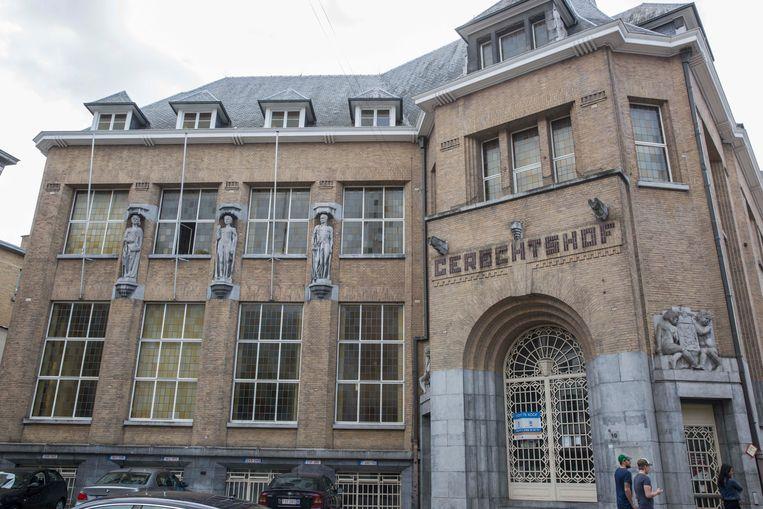 De Regie der Gebouwen stelt het oude Gerechtshof te koop, een monumentaal pand met een oppervlakte van 8.100 vierkante meter.