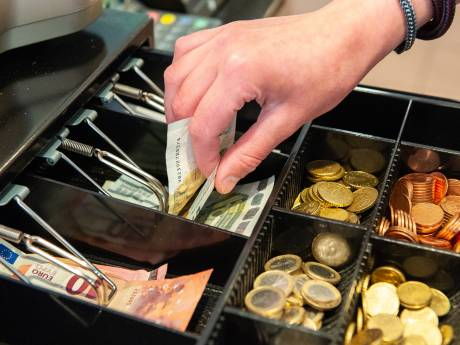 Supermarktbaas werd voor 70.000 euro bestolen door eigen personeel en schakelde privédetective in