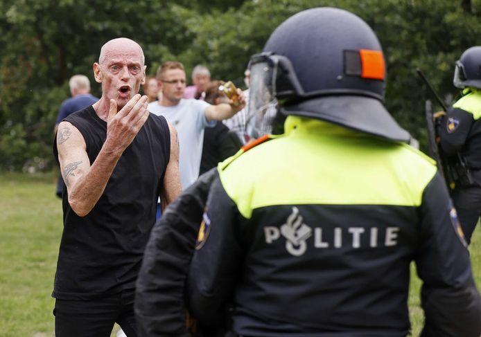 Demonstranten komen in confrontatie met de politie in het centrum van Den Haag