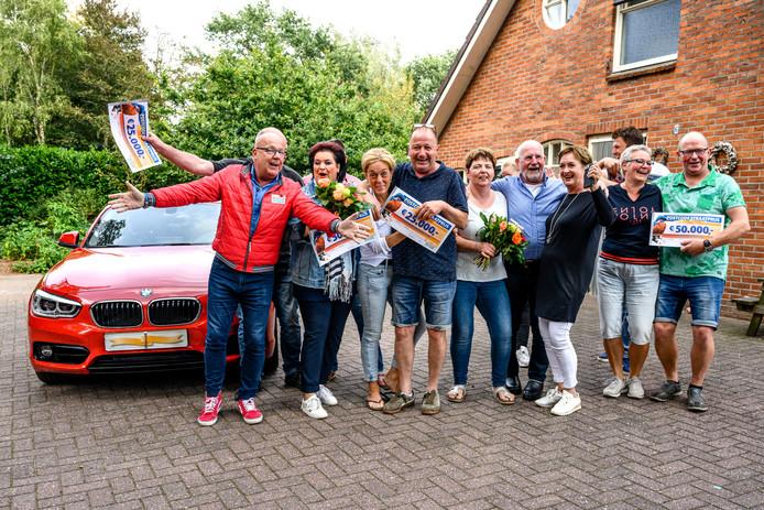 Inwoners van Saasveld winnen de PostcodeStraatprijs.