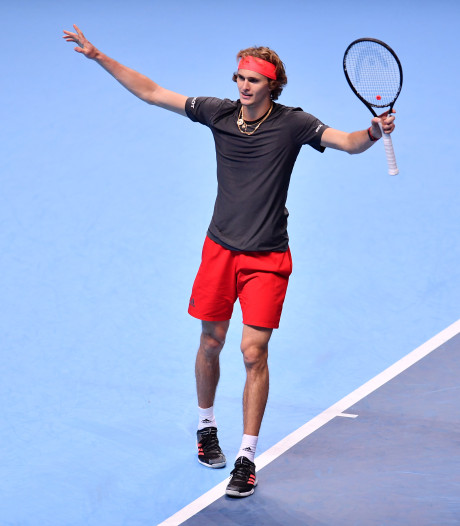 Zverev naar laatste vier bij ATP Finals na zege op Isner