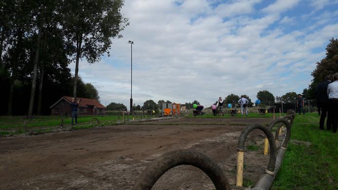 In Uden ging dinsdag een nieuw onderzoek naar de Peelrandbreuk van start.