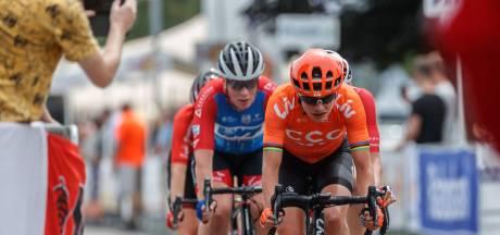Dubbel pech voor Vos: ze verliest de sprint en haar telefoon in Zevenbergen