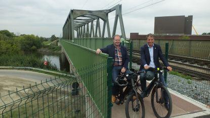 Nu vlotter naar Balkandorpen dankzij fietsersbrug Deinze-Grammene