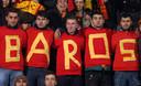 Fans Milan Baros.