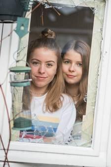 Nina (16 jaar) uit Enschede levert inbreker uit aan politie