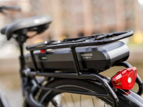 Brutale dieven stelen accu's van elektrische fietsen uit berging flats