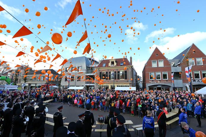 Nu is het verboden, maar een paar jaar geleden lieten de Bennekomse kinderen op Koningsdag nog ballonnen op.