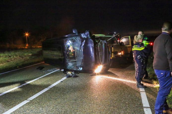 Dode bij ongeval op N279, weg bij Beek en Donk in beide richtingen dicht.