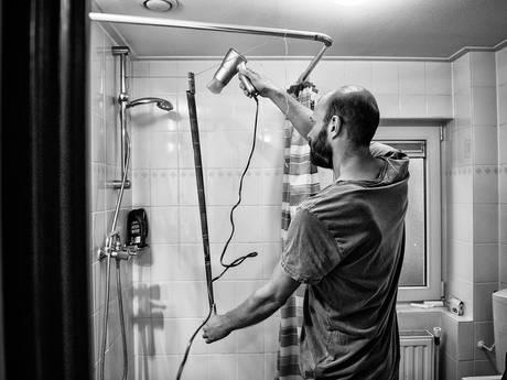 Bijna 100 jaar oude foto's van Bredanaar 'gewoon' ontwikkeld in Tilburgse keuken en badkamer