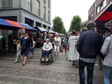Bergse binnenstad stroomt vol voor Krabbenfoor. 'Mooie sjaaltjes voor een euro, dames!'