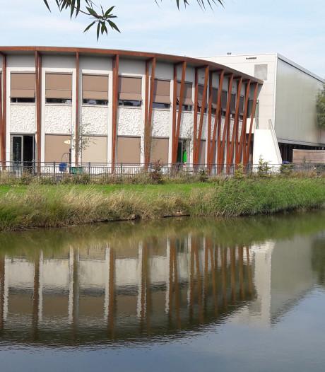 Terneuzen in de clinch over plaatsing zonnepanelen op schoolgebouw in Othene