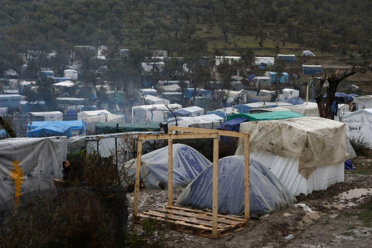 Voorlopig zijn er op sommige eilanden tijdelijke migrantenkampen.