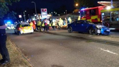 "Engelse straatrace eindigt in horrorcrash: auto's belanden in publiek, ""zeventien gewonden"""