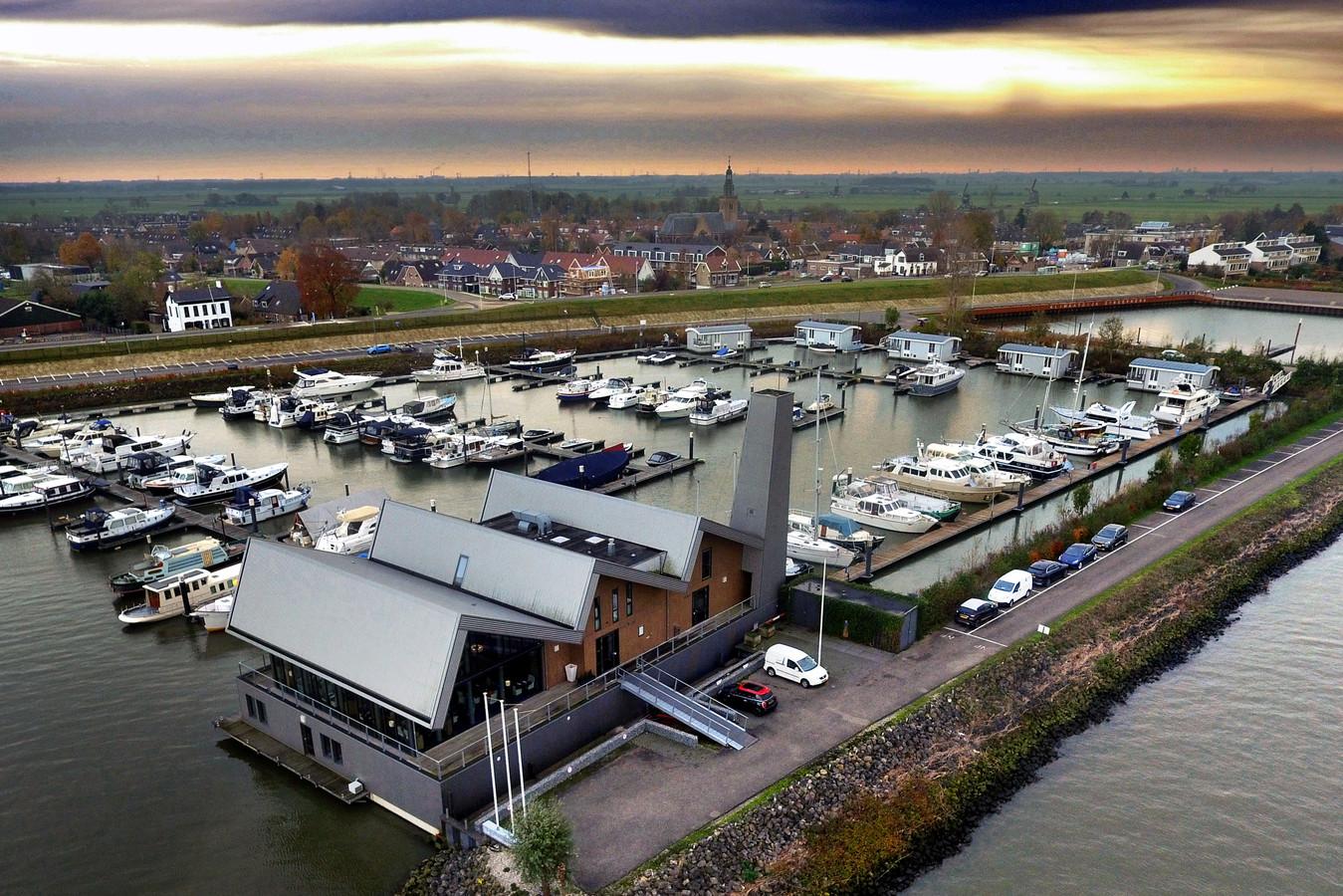 De Limonadefabriek in Streefkerk staat te koop.
